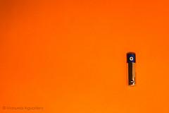 27-Espacio negativo-Negativo o positivo? #pila #battery #lneas #lines #2016 #naranja #orange #photography #photographer #sonyalpha #sonyalpha350 #sonya350 #alpha350 (Manuela Aguadero) Tags: orange lines photography photographer battery naranja pila 2016 lneas sonyalpha sonyalpha350 sonya350 alpha350