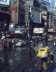 Times Square 1944 (Peer Into The Past) Tags: nyc newyork history colorphotography timessquare kodachrome 1944 vintagephotography