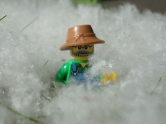 Let it snow (captain_joe) Tags: toy lego cottonwood minifig spielzeug minifigure pappel series15 365toyproject