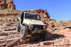 moab-72 (LuceroPhotos) Tags: utah jeeps moab cliffhanger jeeping