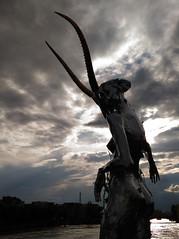 Miss Hyde (Thierry.Vaye) Tags: sculpture paris seine exposition artiste pontdesarts dramatique