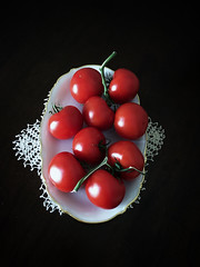 You say 'Tomato', I say 'Tomahto' (belle.fleur) Tags: stilllife naturemorte redtomatoes passionatered alidajolie somesaytomatosomesaytomahto yousaytomatoandisaytomato redasintomatoes ilovedomate domatetkuqesizemra domatetkuqe