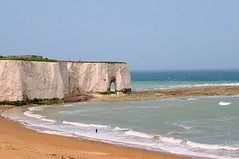 Kingsgate Bay (crashcalloway) Tags: ocean sea coast kent cliffs stack southcoast whitecliffs broadstairs kingsgatebay