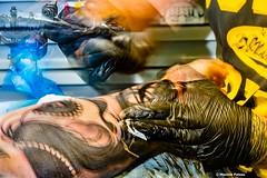 Working movements (Photosplus _ XP) Tags: portrait color colors tattoo work photography photo moving movement hands foto photographie hand couleurs main picture mani manos mano transparent mains maxime couleur mouvement hände tatuaje calavera fotografía tatouage tattoing pateau tatoueur tattoer