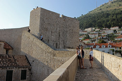 Dobrovnik (anvaliri) Tags: city muro canon croatia ciudad walls oldtown dubrovnik croacia hrvatska murallas partevieja 1585