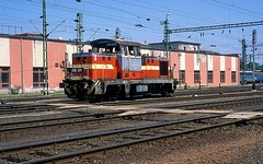 438 201  Celldmlk  25.05.16 (w. + h. brutzer) Tags: analog train nikon hungary eisenbahn railway zug trains locomotive ungarn mav lokomotive diesellok m43 eisenbahnen celldmlk dieselloks webru