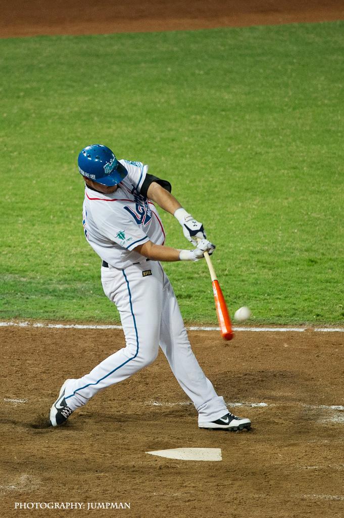 CPBL: 義大犀牛 vs Lamigo桃猿 (2013/05/08)