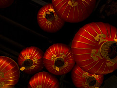 lanterns george town, penang, malaysia (David Hagerman Photography) Tags: photography georgetown vietnam malaysia lanterns penang saigon ricoh chinesetemple travelphotography ricohgrdiii