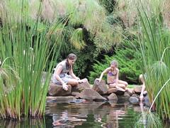 Imagem 161 (Vinicius Portelinha) Tags: girls fish gua lago meninas wather carpa garotas papiro cornlioprocpio aguativa meninasnolago