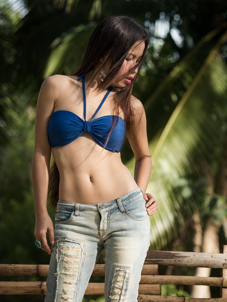 That Filipina models in jeans understand