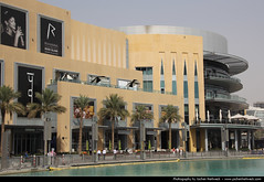 The Dubai Mall, United Arab Emirates (JH_1982) Tags: shop architecture canon mall shopping eos eau dubai interior united uae emirates arab worlds shops stores emirate unis largest الإمارات vae unidos دبي 阿拉伯联合酋长国 dubaï 杜拜 두바이 árabes مول arabes emiratos vereinigte arabische dubayy эмираты 몰 60d ドバイ émirats アラブ首長国連邦 دبيّ оаэ العربيّة ดูไบ арабские дубай المتّحدة अरब संयुक्त dubái दुबई 아랍에미리트 объединённые দুবাই 杜拜購物中心 ドバイ・モール अमीरात