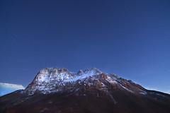 Monte Bove (Massimo Feliziani) Tags: park parco mountain night zeiss stars landscape tramonto neve monte montagna notte marche paesaggio bove stelle distagon 21mm nazionale vetta sibillini zf2 vision:mountain=0665 vision:sunset=0589 vision:outdoor=099 vision:sky=0986 vision:ocean=0692 vision:clouds=0917