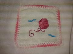 Fralda de Boca - Balão Rosa F007 (SaluArts) Tags: de pano cruz infantil bebê boca ponto paninho fralda fraldinha enxoval