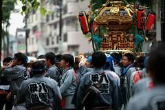 Carrying The Mikoshi #2 (El-Branden Brazil) Tags: festival japan asian japanese shrine asia drum sacred gods taiko tradition shinto carry mikoshi happi