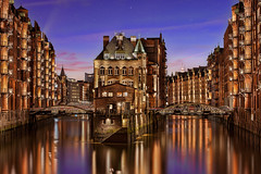 Wasserschloss Speicherstadt (TIM BRUENING  PHOTOGRAPHY) Tags: architecture germany deutschland flickr hamburg warehousedistrict architektur bluehour speicherstadt elbe langzeitbelichtung longtimeexposure blauestunde wasserschloss flickraward canon5dmarkii flickrtravelaward rememberthatmomentlevel1 wintenwrterhaus