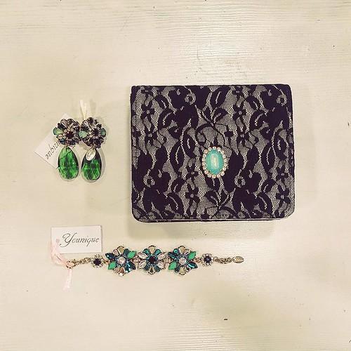 Verde Menta & Pizzo #best #event #accessori #personalizzati #madeinitaly #handmade #collane #bracciali #spille #orecchini #earrings #younique #fashionjewellery #dress #italy #italianstyle #verdetiffany #black #pochette #minibag #jewelsbag