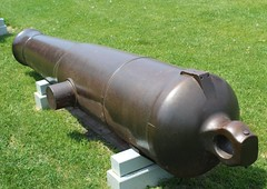 32-pounder 65-cwt 8-inch Shell Gun (jmaxtours) Tags: gun fort cannon artillery broadarrow ordnance 1843 fortyork historicfortyork fortyorktoronto 32pounder artilleryday fortyorkartilleryday 32pounder65cwt8inchshellgun samuelwalkercompanyofrotherhamengland