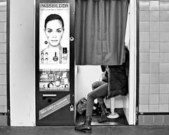 Selfie, old-fashioned Style (floressas.desesseintes) Tags: berlin girl ubahnhof potsdamerplatz youngwoman mädchen selfie berlinmitte fotoautomat jungefrau schwarzweis streetfotografie