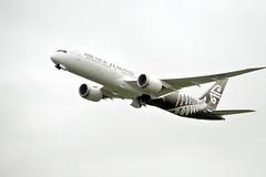 Air New Zealand Boeing 787-9 Dreamliner ZK-NZD NZ175 AKL->PER dep AKL (XPinger (Chris Sutton)) Tags: boeing airnewzealand airliner aucklandairport civilaircraft dreamliner boeing787 boeing7879