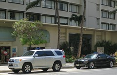 Police SUV and car (D70) Tags: car hawaii waikiki or highlander police toyota dodge honolulu suv plain rt charger unmarked