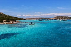 3 island boat trip #Sardinia #islands #beach #turquoise #waters #seagulls #boats (jilly007) Tags: seagulls beach boats islands sardinia turquoise waters
