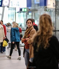mysterious look at Utrecht Central station (Ide Nauta photography) Tags: look lady pose photography women utrecht central mysterious ide miss blik nauta misterieuze