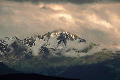 spotted (adlin) Tags: light mountain snow alps green berg clouds switzerland spring layers