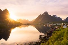 Reine sunset. (Fab2brest) Tags: light sunset reflection norway reflet lofoten reine waterscape sunstar