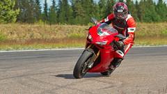 7IMG8730 (Holtsun napsut) Tags: summer sport canon suomi finland eos drive day sigma 7d motor 70200 org kesä ajo päivä moottoripyörä motopark trainin virtasalmi harjoittelu motorg