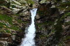 Vall de Nria - Queralbs (HellaTheViking) Tags: montaa mountain muntanya cascada waterfall water aigua agua nature naturaleza hiking senderismo catalua catalonia