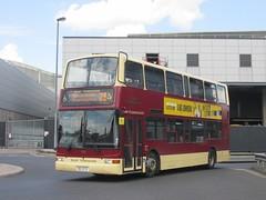 East Yorkshire 670 80EYC Hull Interchange on 23 (1280x960) (dearingbuspix) Tags: 670 eastyorkshire eyms 80eyc yy52lck