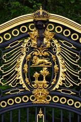 Ornate Gate (pjpink) Tags: uk england london spring britain may royal palace buckinghampalace buckingham 2016 historicroyalpalaces pjpink