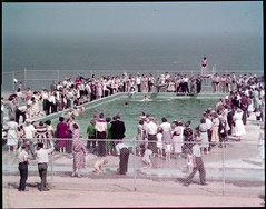 The swimming pool at Fundy National Park on opening day / La piscine du parc national Fundy, le jour de son ouverture (BiblioArchives / LibraryArchives) Tags: ocean girls people canada boys pool swimming natation fence children women femme lac newbrunswick nouveaubrunswick enfants gen filles piscine bac divingboard clture fundynationalpark ocan garons plongeoir nationalfilmboardofcanada libraryandarchivescanada photothque july1950 bibliothqueetarchivescanada officenationaldufilmducanada juillet1950 parknationalfundy
