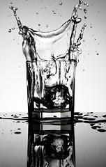 Splash (maxence lamy) Tags: ice water glass studio eau instant vague verre glaon