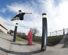 kyle ollie hydrant pole (charlie kitchen) Tags: nikon texas skateboarding 28 16mm d700