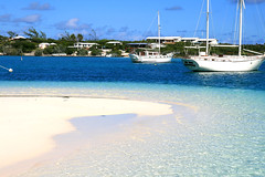 Stocking Island, Bahamas (gaina) Tags: ocean blue sea sun beach water island bay boat sand barca mare hole blu azure grand resort caribbean stocking bahamas sole acqua spiaggia oceano exuma sabbia holyday caraibi baia chatnchill