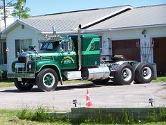 Sadler Building Supplies beautiful green 1964 Mack B-61 truck with sleeper just north of Almonte, Ontario Canada 06142006 ©Ian A. McCord (ocrr4204) Tags: old ontario canada green truck vintage kodak vert camion vehicle pointandshoot mccord oldtruck mack visor b61 almonte z740 ianmccord ianamccord