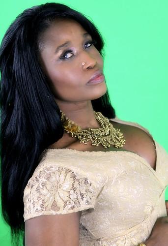 The Divine Indian Look Of Queen Sabine