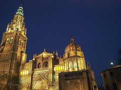 toletum reto GranAngular (@nexo) Tags: blue moon azul night reflections lights luces cathedral catedral luna toledo hour hora reflejos nocturno nexo