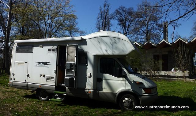 Aparcados en el Camping Kilometro4, en las afueras de Plovdiv