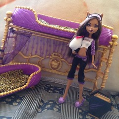 Good Morning Clawdeen : Photo Shoot 10/17 (MyMonsterHighWorld) Tags: monster dead 1 high bed wolf doll with wave tired exclusive mattel clawdeen