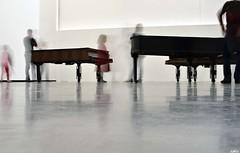 Les pianos qui bougent, Muse des Abattoirs, Toulouse, Midi-Pyrnes (lyli12) Tags: art nikon piano muse exposition toulouse artcontemporain mouvement hautegaronne midipyrnes poselongue d7000