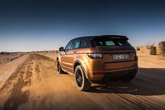Range Rover Evoque - Off-road Dubai (landrovermena) Tags: photography design dubai desert offroad adventure landrover rangerover unitedarabemirates compact  evoque  automotivephotography   desertdriving rangeroverevoque landrovermena offroadfeatures