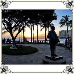 Jonah Kuhio (jcc55883) Tags: sunset silhouette hawaii waikiki oahu ipad kalakauaavenue kuhiobeachpark ipadair jonahkuhiostatue