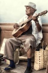 il musicante (mat56.) Tags: street old portrait people musician music man portraits strada artist guitar candid cuba persone uomo musica trinidad antonio ritratti ritratto chitarra artista musicista vecchio caraibi musicante mat56 romei