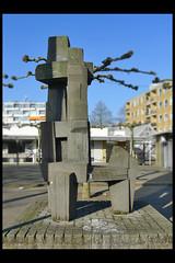 utrecht betonplastiek 03 1966 rietbroek a (troosterln) (Klaas5) Tags: sculpture holland art netherlands artwork outdoor kunst nederland sculptuur publicart paysbas niederlande kunstwerk plastiek postwarart picturebyklaasvermaas
