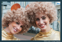 the amazing stroopwafels (jada photography) Tags: woman holland netherlands cake hair model curly vrouw vrouwen gouda stroopwafels haar modellen koek