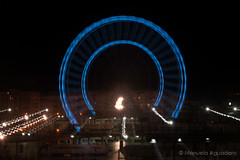 9-Exposicin lenta-Si ves ms de una, has bebido? #noria #panormica #panorama #azul #blue #palmeraldelassorpresas #muelleuno #2016 #mlaga #costadelsol #andaluca #espaa #spain #noche #nocturna #night #zooming #reflejos #r (Manuela Aguadero) Tags: blue panorama espaa tourism azul night reflections photography noche andaluca spain photographer nocturna costadelsol turismo mlaga reflejos noria zooming panormica reflexes 2016 longexposition sonyalpha sonyalpha350 sonya350 alpha350 muelleuno palmeraldelassorpresas