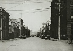 Cumberland Street looking South from Stuart Street, c1920 (Dunedin City Council Archives) Tags: transport historic dunedin cumberland stuartstreet