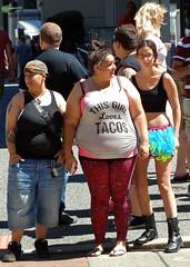 I love tacos, too! (e r j k . a m e r j k a) Tags: street people whimsy pittsburgh pennsylvania candid wildlife tshirt allegheny us30 lincolnhighway us22 erjkprunczyk i70pa i376pa